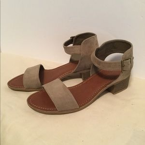 (Rock and Candy) size 9 never worn sandals